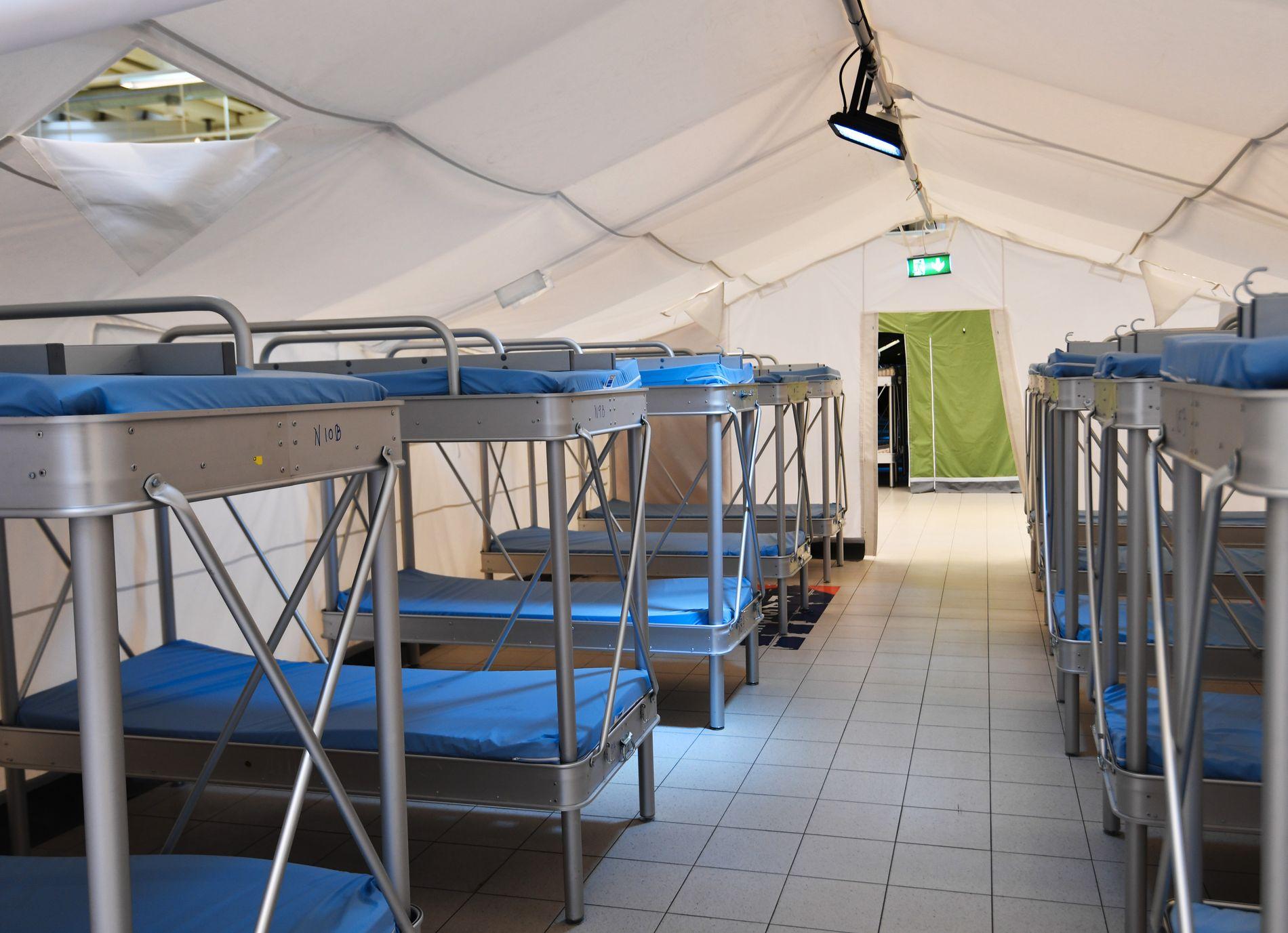 Det bygges ny matsal, toaletter og rom for helsekontroll i Råde. Men som bildet viser – det eneste de mangler er asylsøkere.