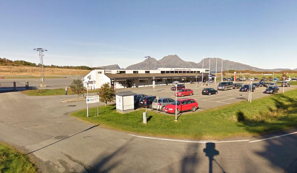 EVAKUERT: Sandnessjøen lufthavn er onsdag formiddag evakuert etter en trussel.