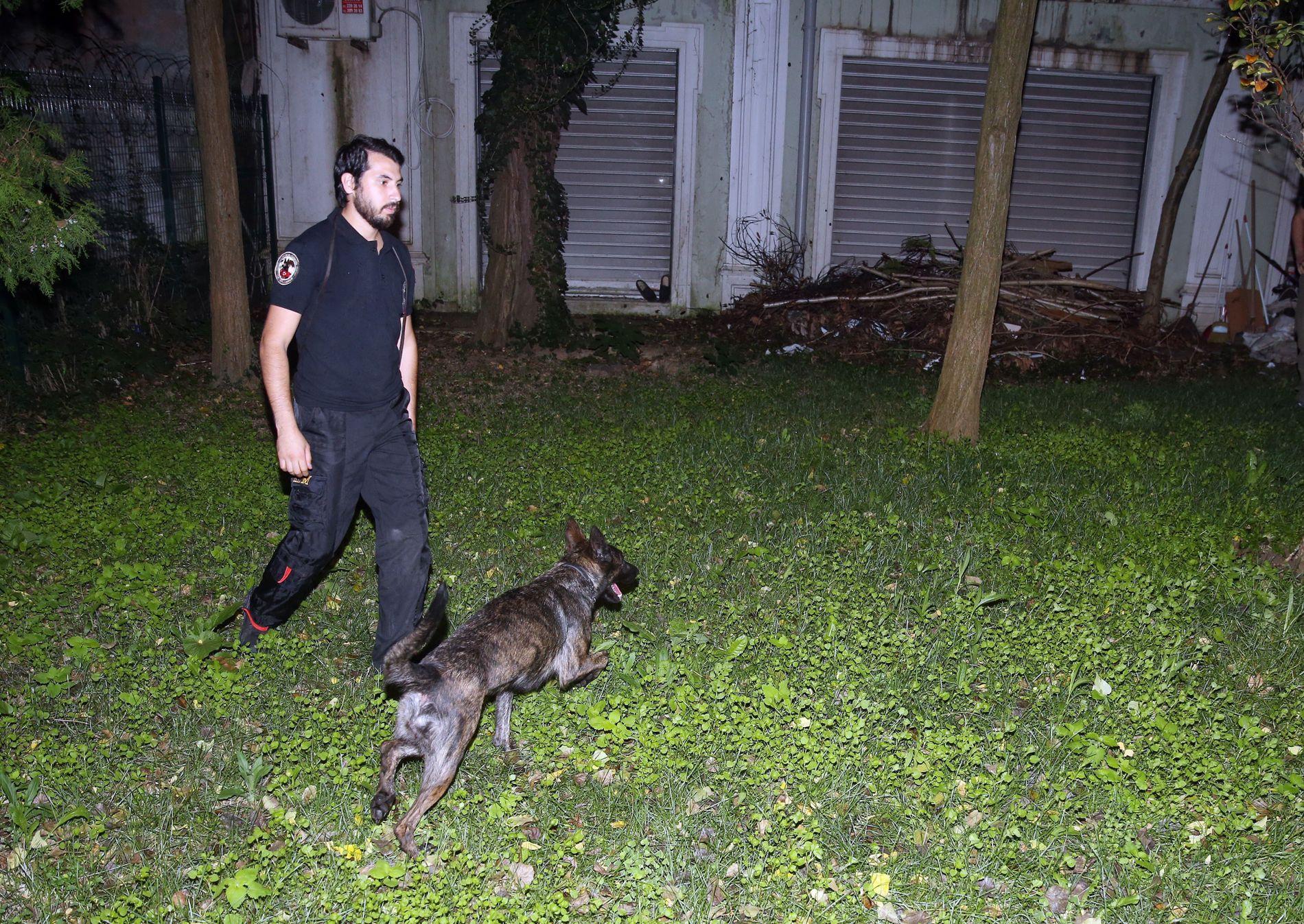 SØKTE: Den saudiske konsulens hage ble gjennomsøkt den 18. oktober, i forbindelse med letingen etter Khashoggi.