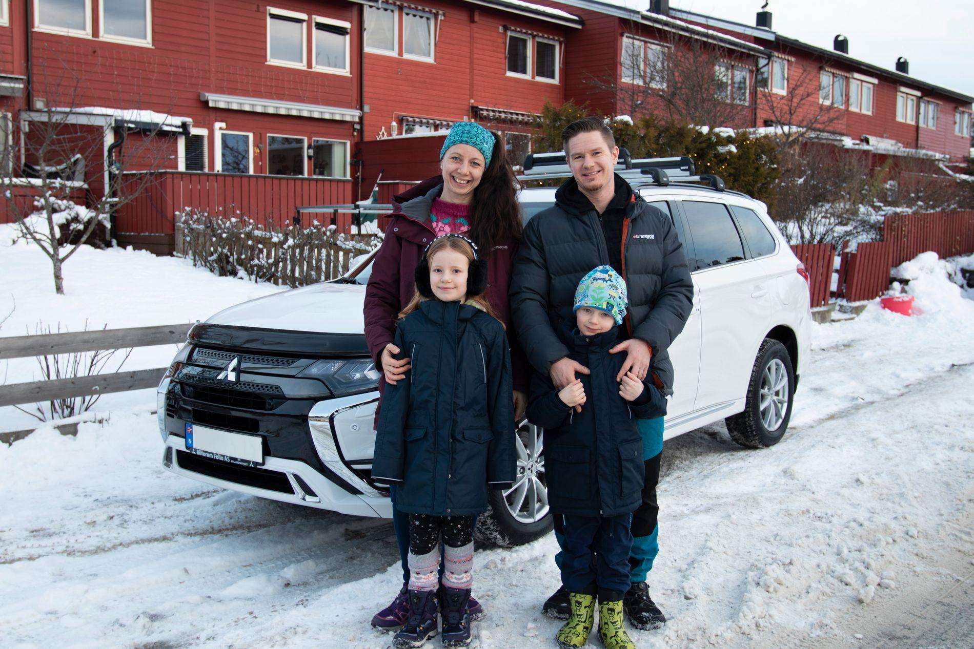 HVERDAGSBIL FOR FAMILIEN: Synnøve, Rune, Alida og Max stortrives med sin nye bil.