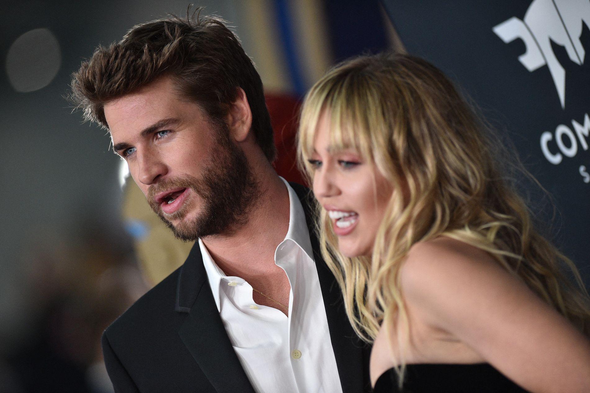 BARE NESTEN: Miley Cyrus hadde et ublidt møte med en fan i Barcelona. Dette bilde av Curys og ektemannen Liam Hemsworth er hentet fra verdenspremieren på «Avengers: Endgame» i Los Angeles i april.