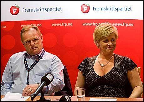 MOT BOM: Fremskrittspartiets samferdselspolitiske talsmann, Per Sandberg og partiformann Siv Jensen. Foto: Kristian Helgesen