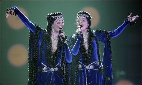 INN PÅ TEPPET: Det falt ikke i god jord at 43 personer i Aserbajdsjan stemte på erkefienden Armenias bidrag, fremført av Inga og Anush, til Melodi Grand Prix i 2009. Foto: AP