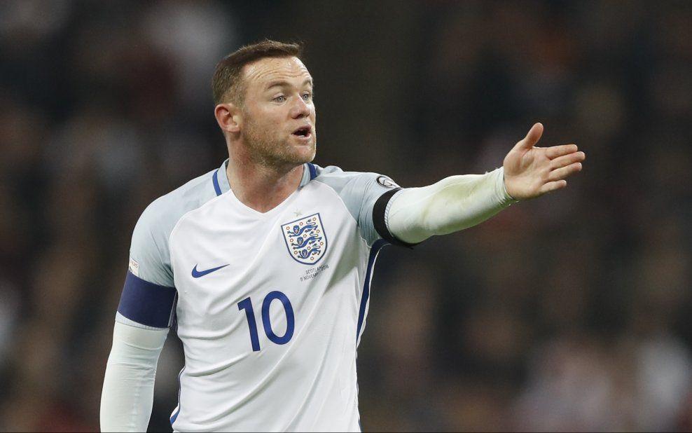 SMÅSKADET: Wayne Rooney var ikke med i troppen som møtte Spania tirsdag, men rapporteres å bli klar til Manchester Uniteds møte med Arsenal på lørdag.