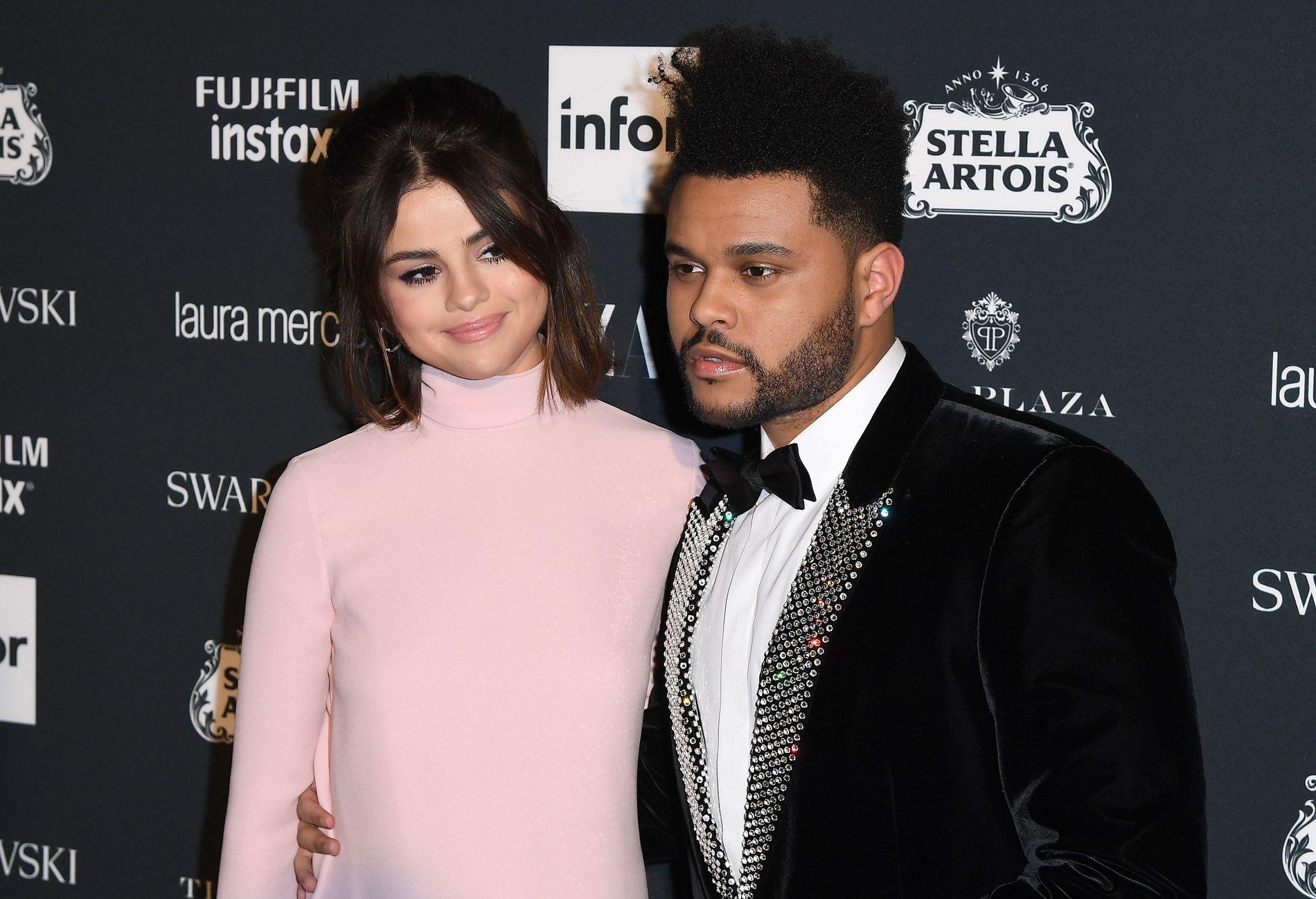SKAL VÆRE SLUTT: Superparet Selena Gomez og The Weeknd skal ha endt romansen etter 10 måneder sammen.