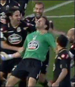 UTLIKNET: Keeper Aranzubia scoret for Deportivo. Foto: Canal