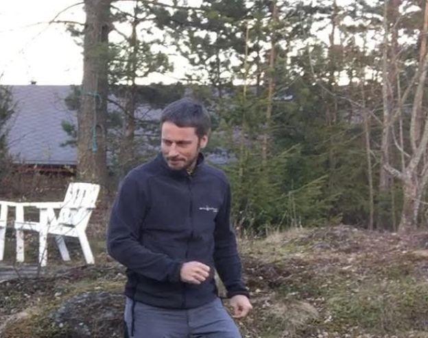 SAVNET: Stig Ingar Evje er fortsatt savnet etter at han forsvant fra hytta på Sjusjøen 3. mai. Familien sier at han sannsynligvis har mer skjegg og hår nå, enn han har på dette bildet.