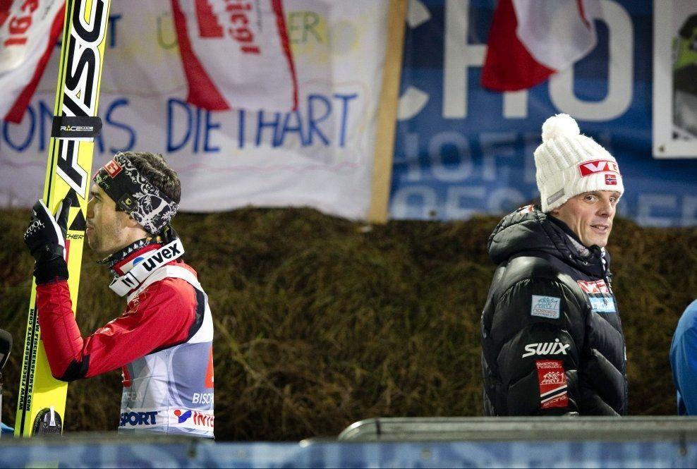 FORTSATT NORSK: Alexander Stöckl (t.h.) fortsetter som landslagstrener for Anders Bardal (t.v.. Trolig helt til 2018. Østerrike har fått nei. Foto: Geir Olsen