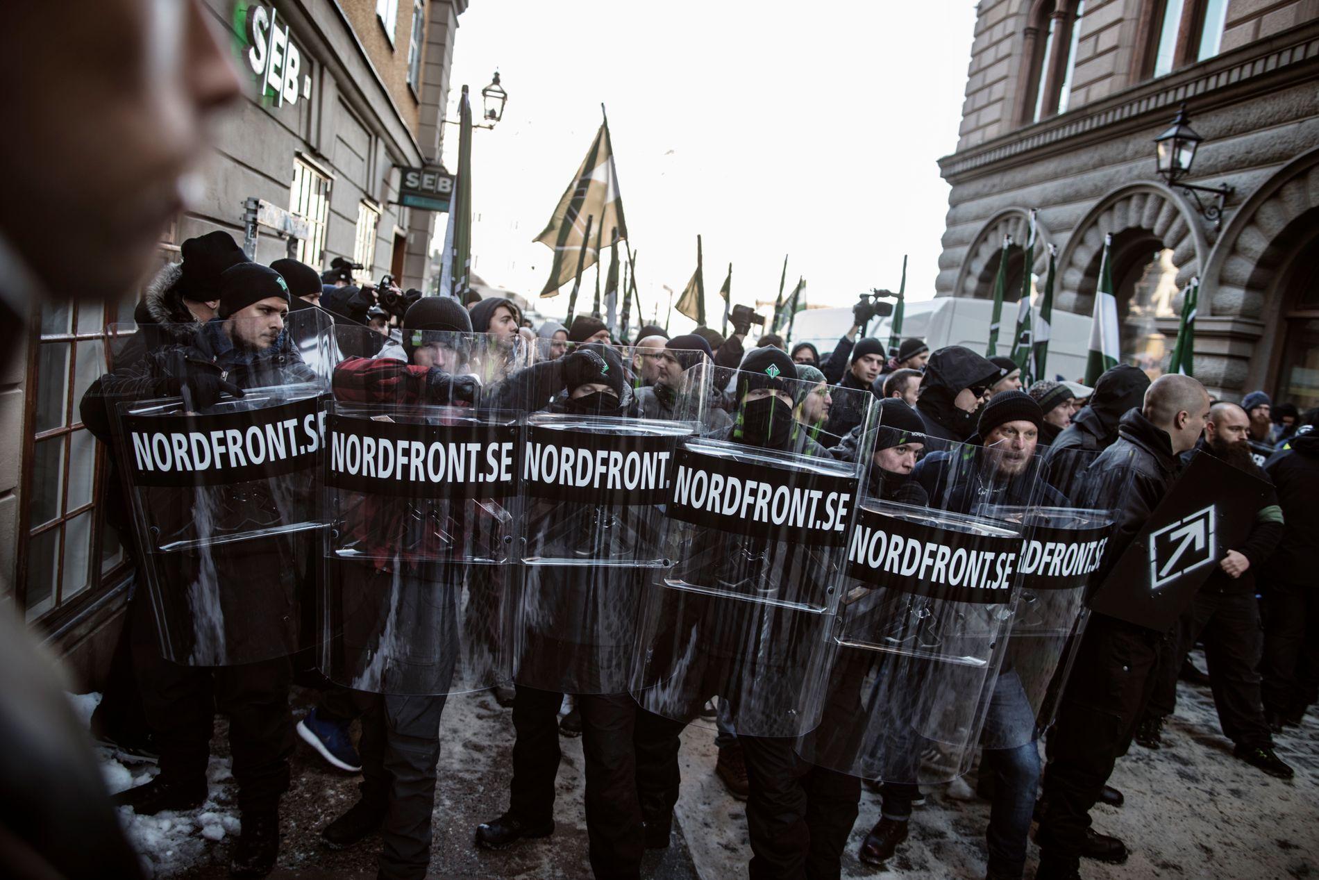 MARSJ MOT DEMOKRATIET: Det svenske samfunnet sliter med å stå opp mot grupper som vil knuse demokratiet de lever i.