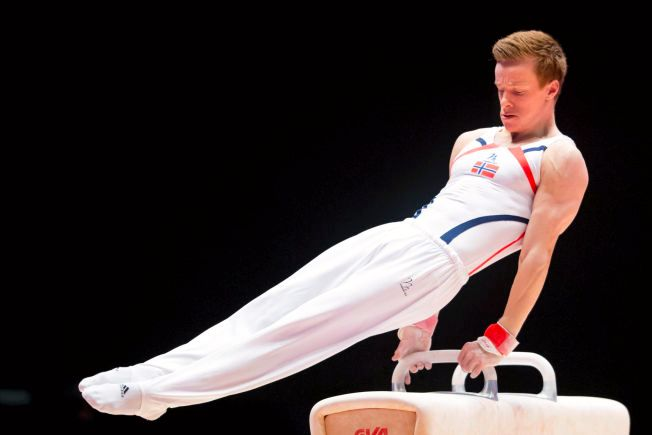 KAN FÅ OL-PLASS: Norge har ikke hatt en turner i OL siden år 2000. Stian Skjerahaug (23) er en av utøverne som har mulighet til en plass i Rio. Her fra VM i fjor.
