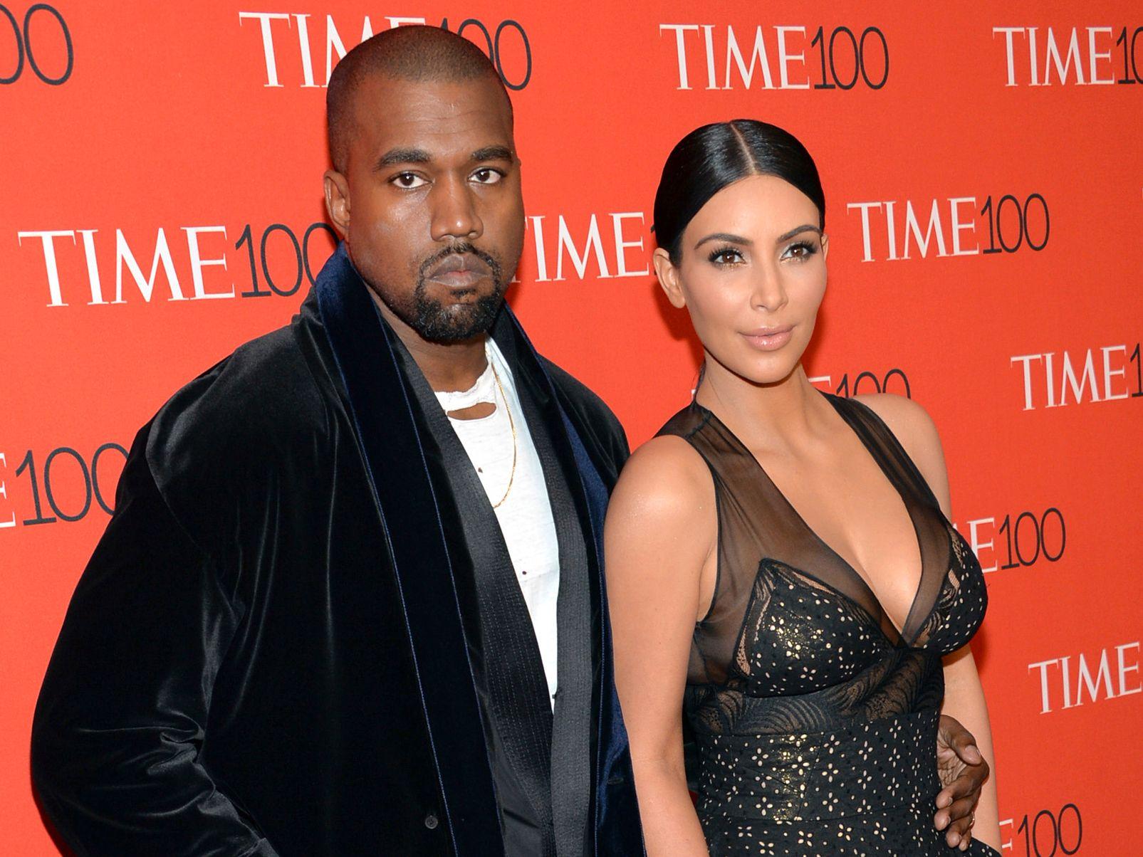KJENDISER: Kanye West er gift med Kim Kardashian West. Her er paret på Met-galla i New York i 2015.