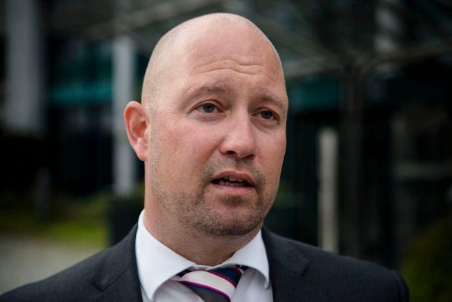 AVVISER PRESS: Justisminister Anders Anundsen sier at endringen av politiets bevæpning ikke er et resultat av politisk press.