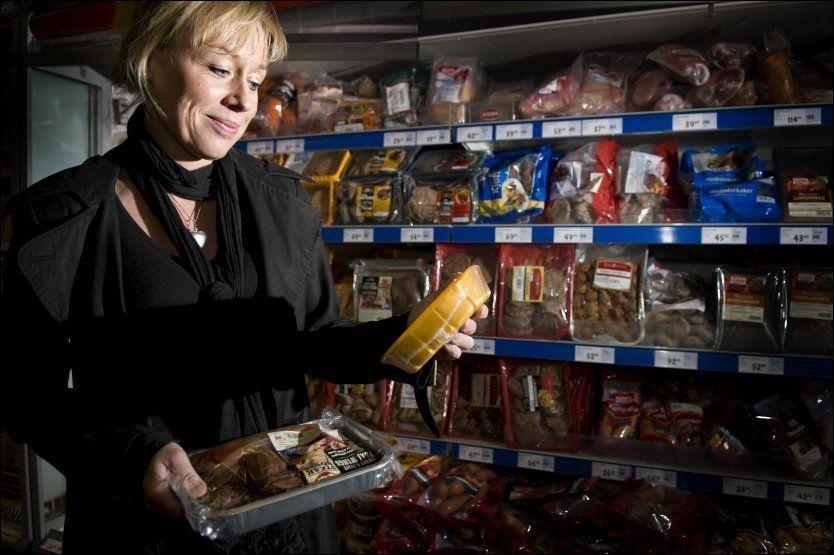 AVSLØRENDE: Ifølge matforsker Annechen Bugge forteller handlekurven mye om hvem du er. Bildet er tatt ved en annen anledning. FOTO: ROBERT S. EIK