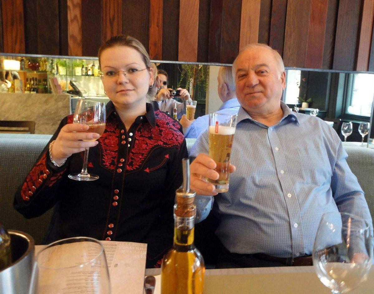 Sergej Skripal og hans datter Julia.
