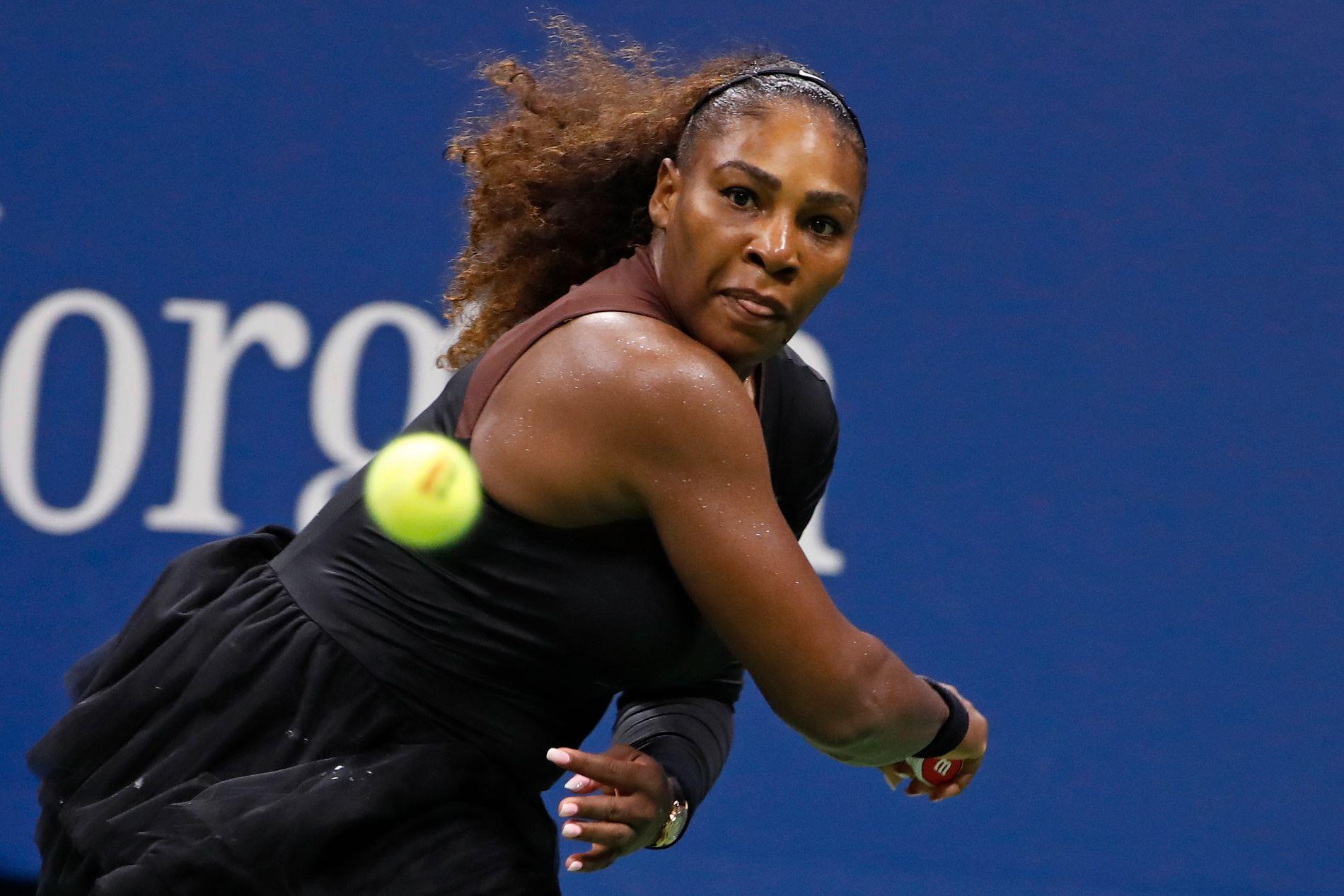 TIL SEMI: Serena Williams hadde ikke store problemer med å ta seg videre til semifinalen i US Open tirsdag.