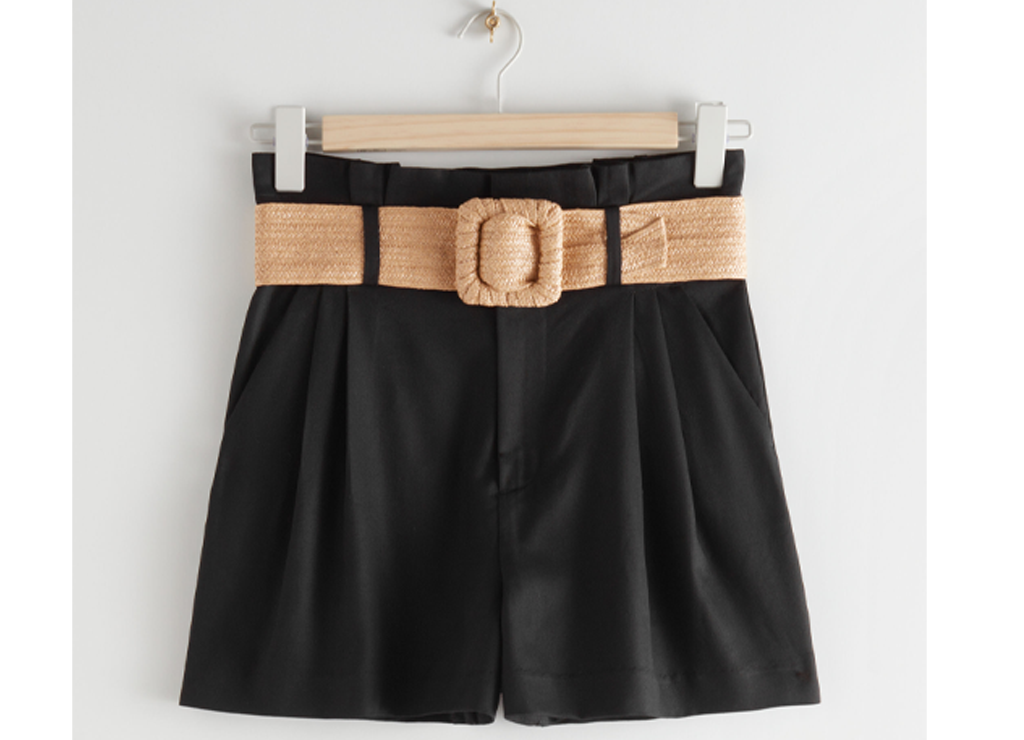 https://track.adtraction.com/t/t?a=1305927901&as=1338715118&t=2&tk=1&epi=SVARTSHORTS&url=https://www.stories.com/en_nok/clothing/shorts/product.high-paperbag-waist-shorts-black.0881187001.html