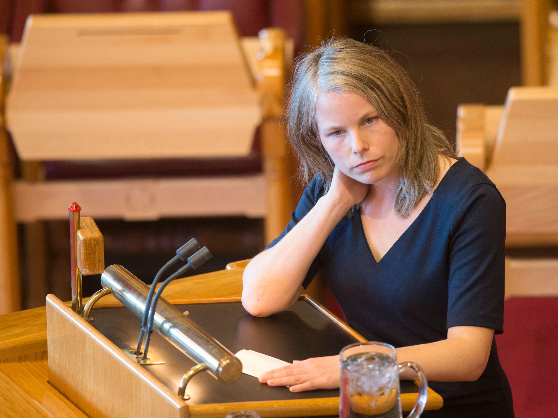 TAR SAKEN TIL STORTINGET: SVs Kirsti Bergstø har laget et forslag som hun vil fremme overfor Stortinget, for å stanse au pair-ordningen.