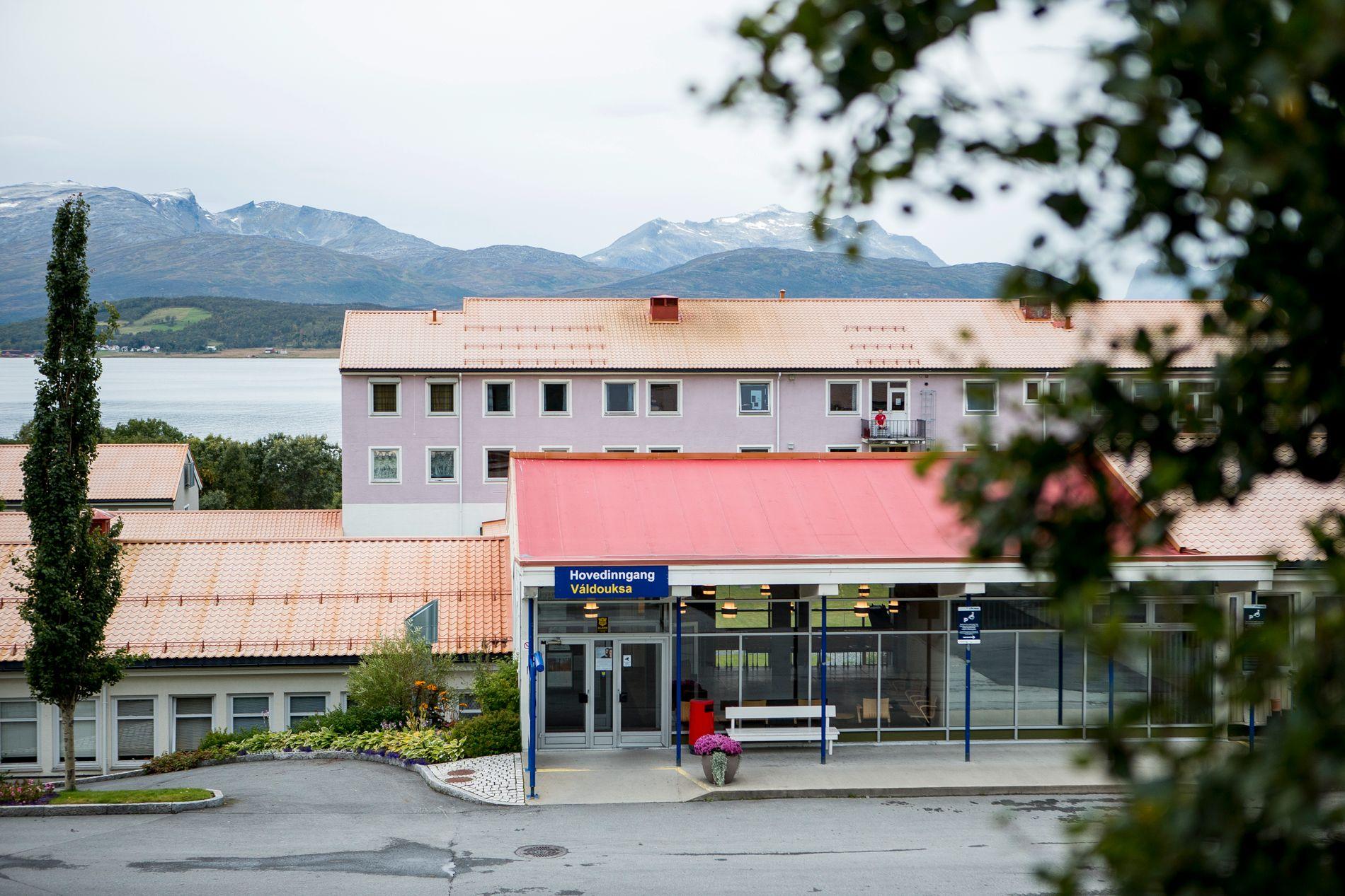 INNLAGT: Kvinnen i 20-årene har vært innlagt ved Åsgård psykiatriske sykehus i Tromsø flere ganger. I fem år klarte klarte sykehuset å unngå bruk av mekaniske tvangsmidler som belter og reimseng.