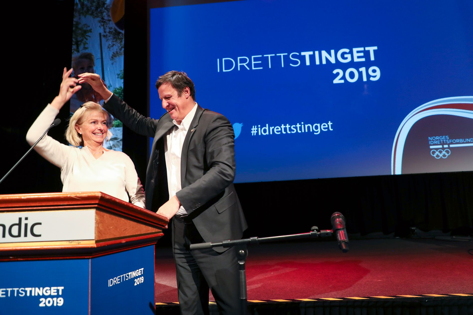 EN NY ÆRA: Berit Kjøll og tidligere idrettspresident Tom Tvedt på Lillehammer i helgen.