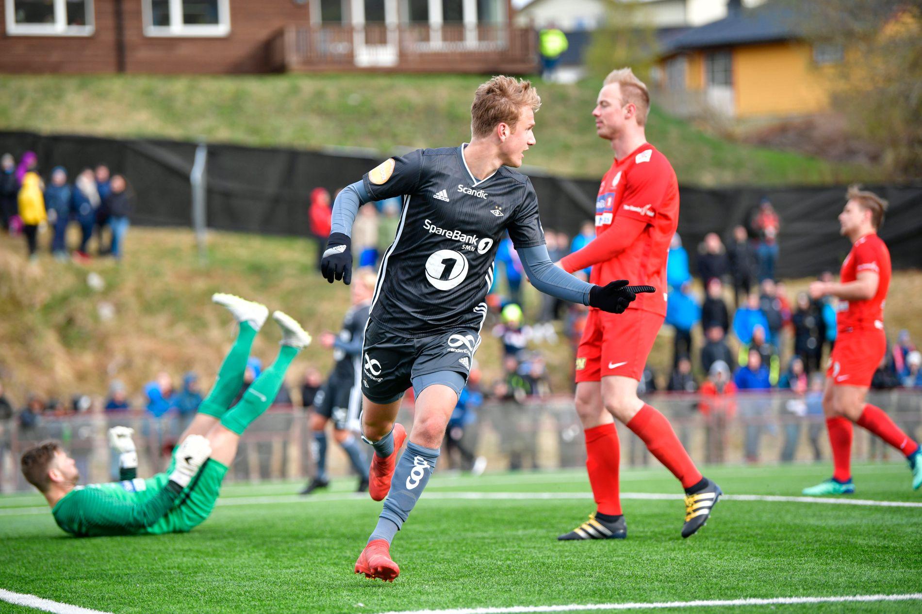SCORET PÅ ONSDAG: Erik Botheim jubler etter 3–1-målet mot Rørvik i cupen.