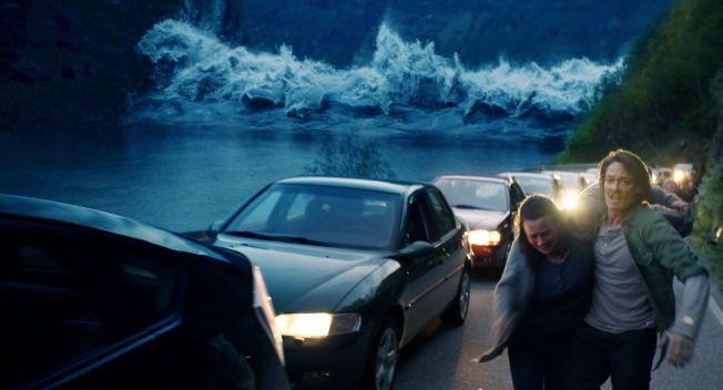 KANONPRISER: Fjorårets store norske film «Bølgen» fikk flere priser i Trondheim i kveld. Kristoffer Joner ble beste mannlige skuespiller. Foto: FANTEFILM FIKSJON
