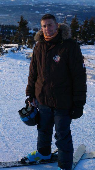 SKIBAKKEN: Her tester Thom Alexander alpintski vinteren 2013. Noen måneder senere konverterte han.