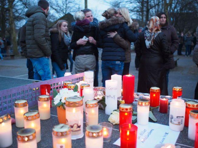 UBESVARTE SPØRSMÅL: Hvordan kunne dette skje, spør de etterlatte seg. På en skole i  Haltern am See mistet de mistet 16 elever og to lærere i Germanwings 4U9525-ulykken.