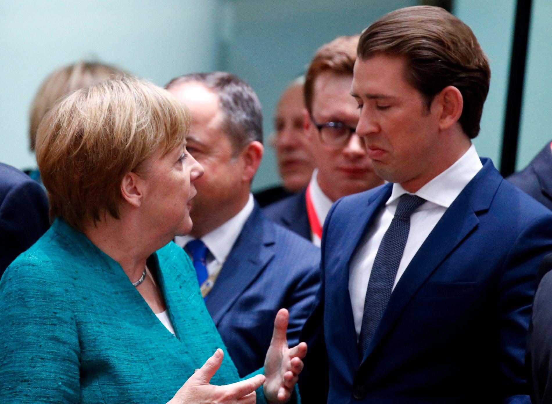 STOR AVSTAND: Tysklands forbundskansler Angela Merkel og Østerrikes kansler Sebastian Kurz står på hver sin side i EU-striden om migrasjon og asyl.
