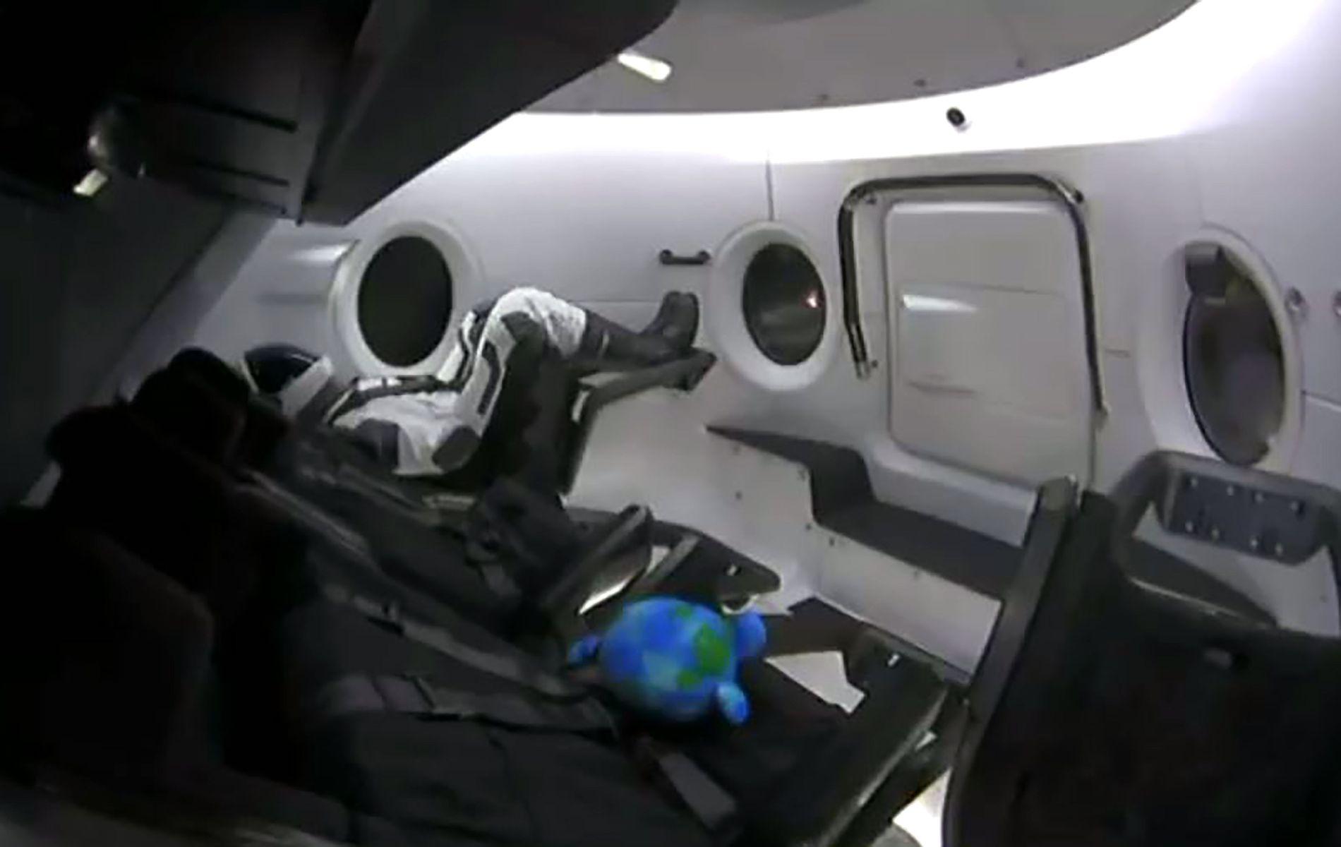 TESTDUKKE: Den eneste innbyggeren i romkapselen er en dukke ved navn «Ripley», oppkalt etter hovedpersonen i «Alien»filmene.