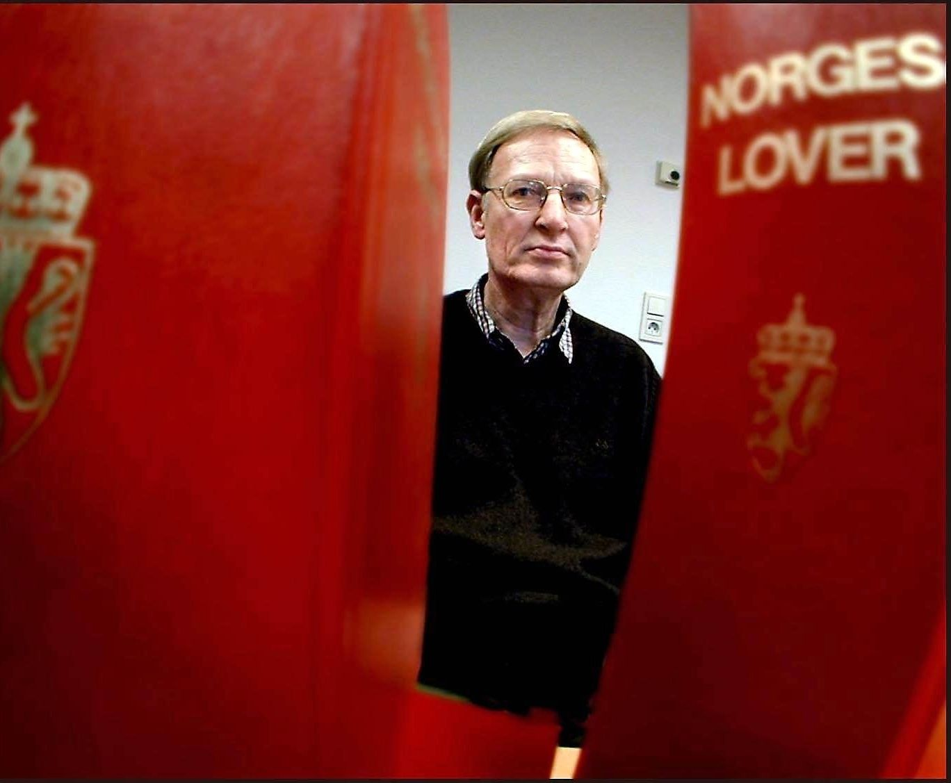 ERFAREN SORENSKRIVER: Bjarte Eikeset avbildet tidlig på 2000-tallet da han virket som sorenskriver.