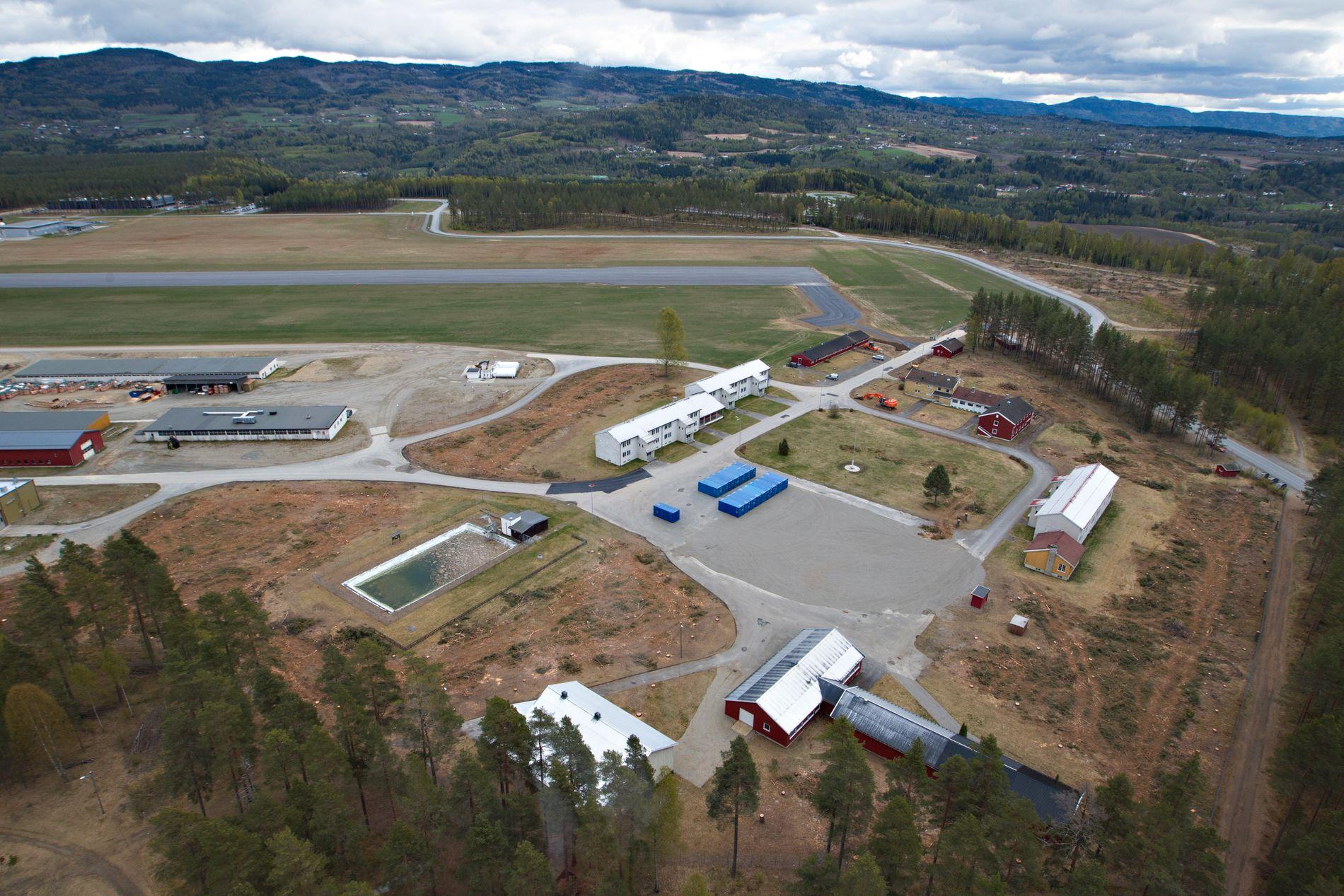 NEDLAGT LEIR: Den hemmelige lyttestasjonen ligger i skogen bak den gamle militærleiren Eggemoen ved Hønefoss