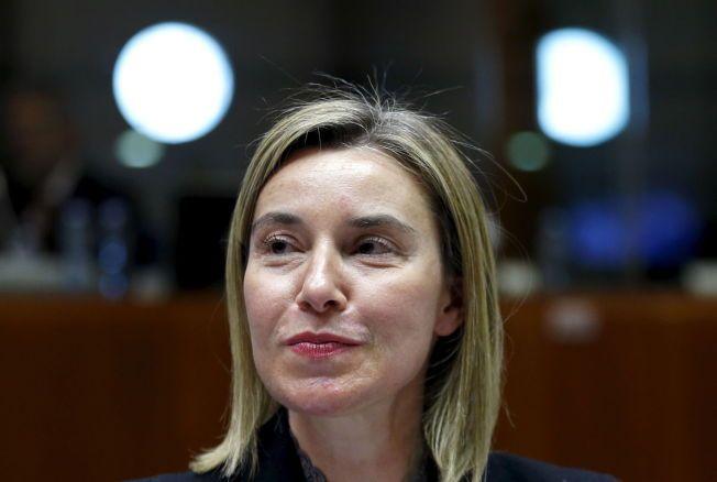 TRENGER FN-MANDAT: EUs utenrikspolitiske sjef, Federica Mogherini, på møtet med unionens forsvars- og utenriksministre i Brussel.