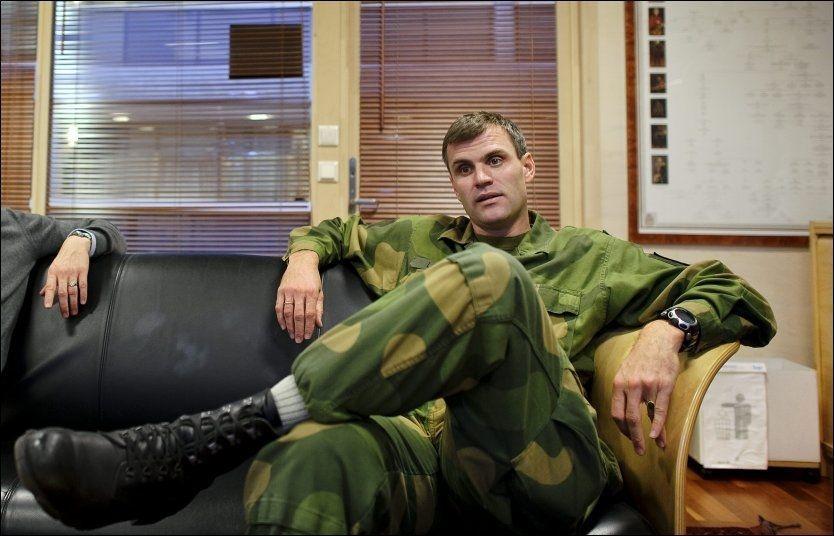 SEMINAR: Nyinnsatt sjef for Telemark bataljon, Lars Lervik detlok på et etikk-kurs for norske soldater i militærleiren på Rena torsdag. Foto: KRISTIAN HELGESEN / VG
