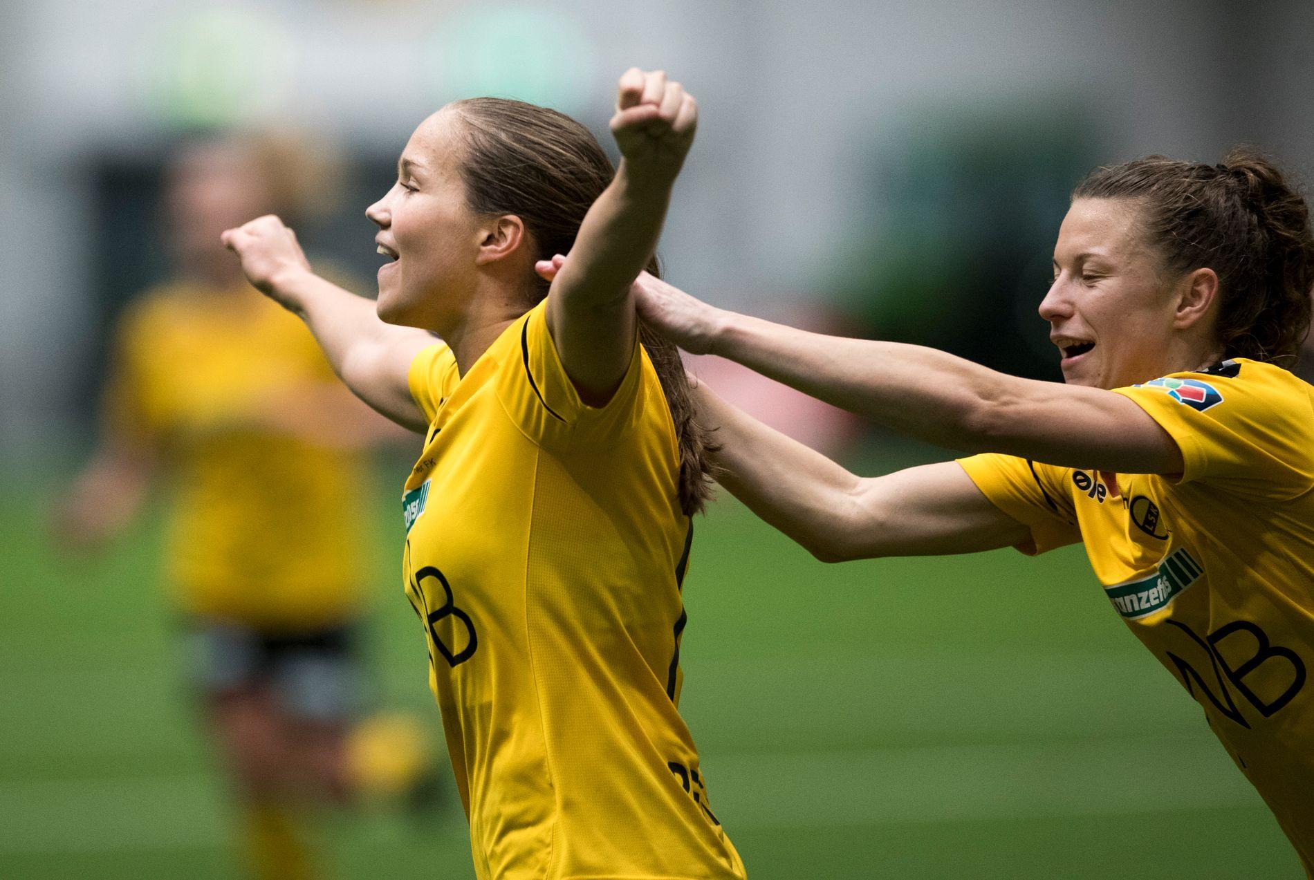 STJERNE: Guro Reiten er toppseriens beste spiller. Her jubler hun for scoring mot Røa tidligere i november.