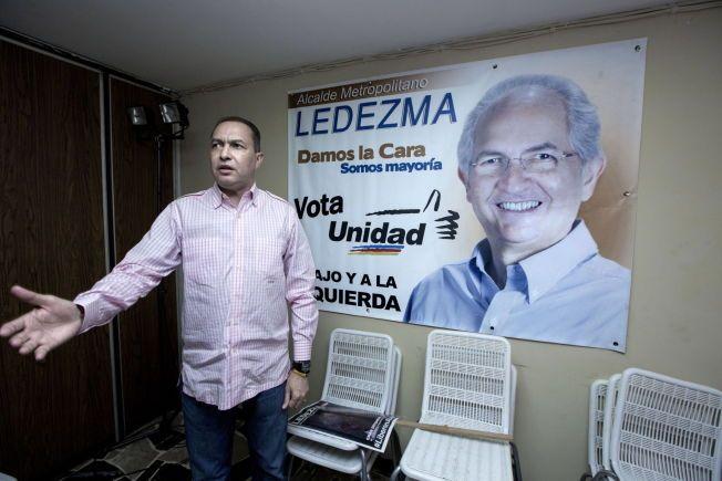 ORDFØRERENS HØYRE HÅND: Richard Blanco ble vitne til at ordføreren i Caracas ble arrestert. Han tok imot VG på sitt kontor.