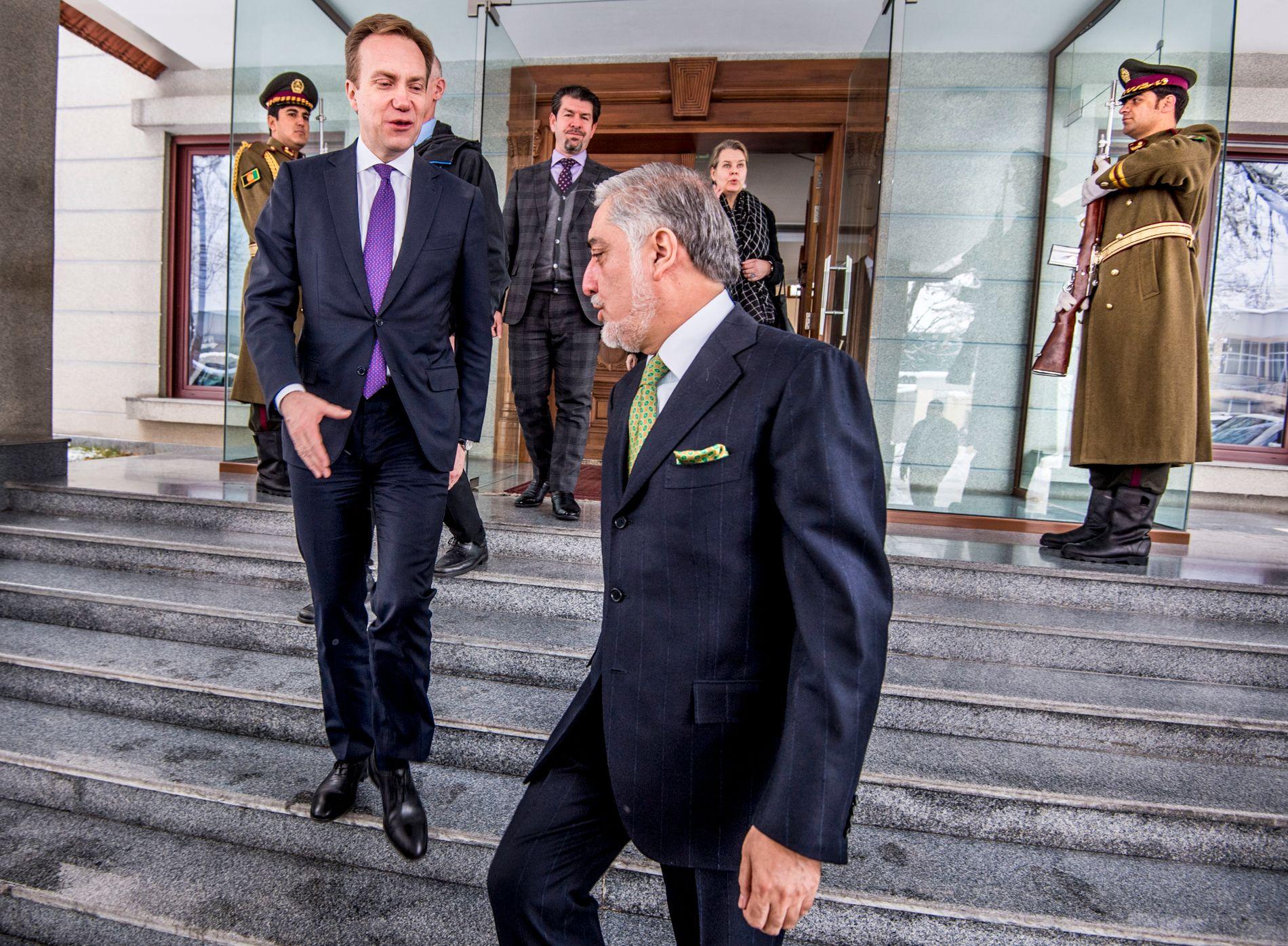 I KABUL: «Chief Executive» Abdullah Abdullah tok imot Brende på sitt kontor i Kabul. Etter møtet sa Abdullah til VG at de var villige til å forhandle med Taliban.