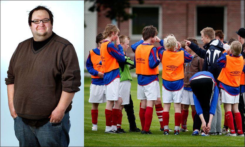 UTENFOR: Tormod Bergersen beskriver hvordan han følte seg utenfor som fotballspiller i barneårene. Bildet til høyre er et illustrasjonsfoto. Foto: Gorm Kallestad, NTB Scanpix / Bergensavisen