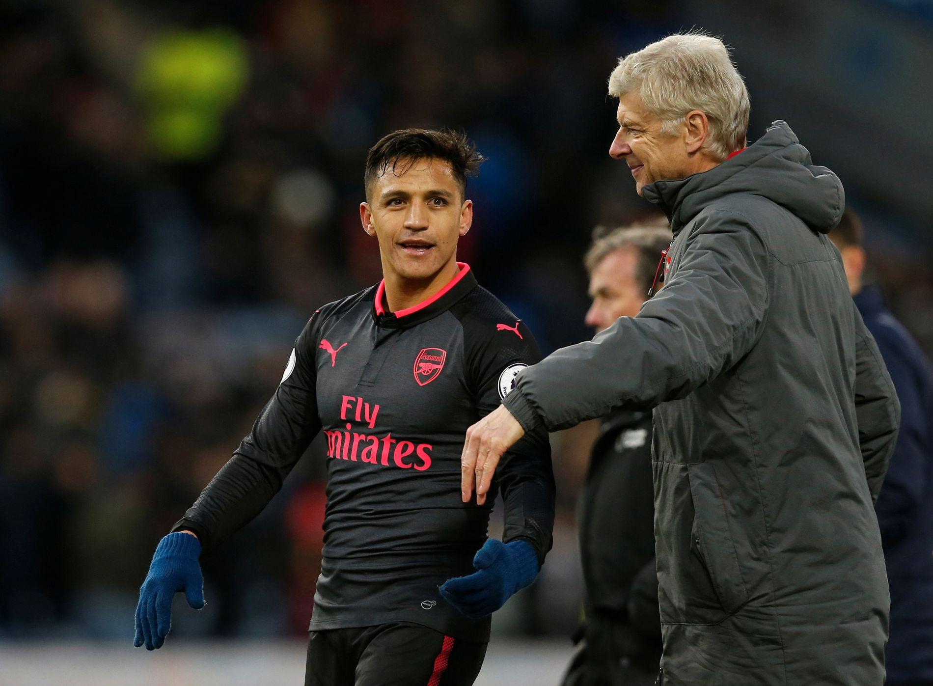 LYKKE: Hva som skjer med Alexis Sanchez i fremtiden er ikke kjent, men søndag sikret han Arsenal og Arsene Wenger tre poeng mot Burnley.