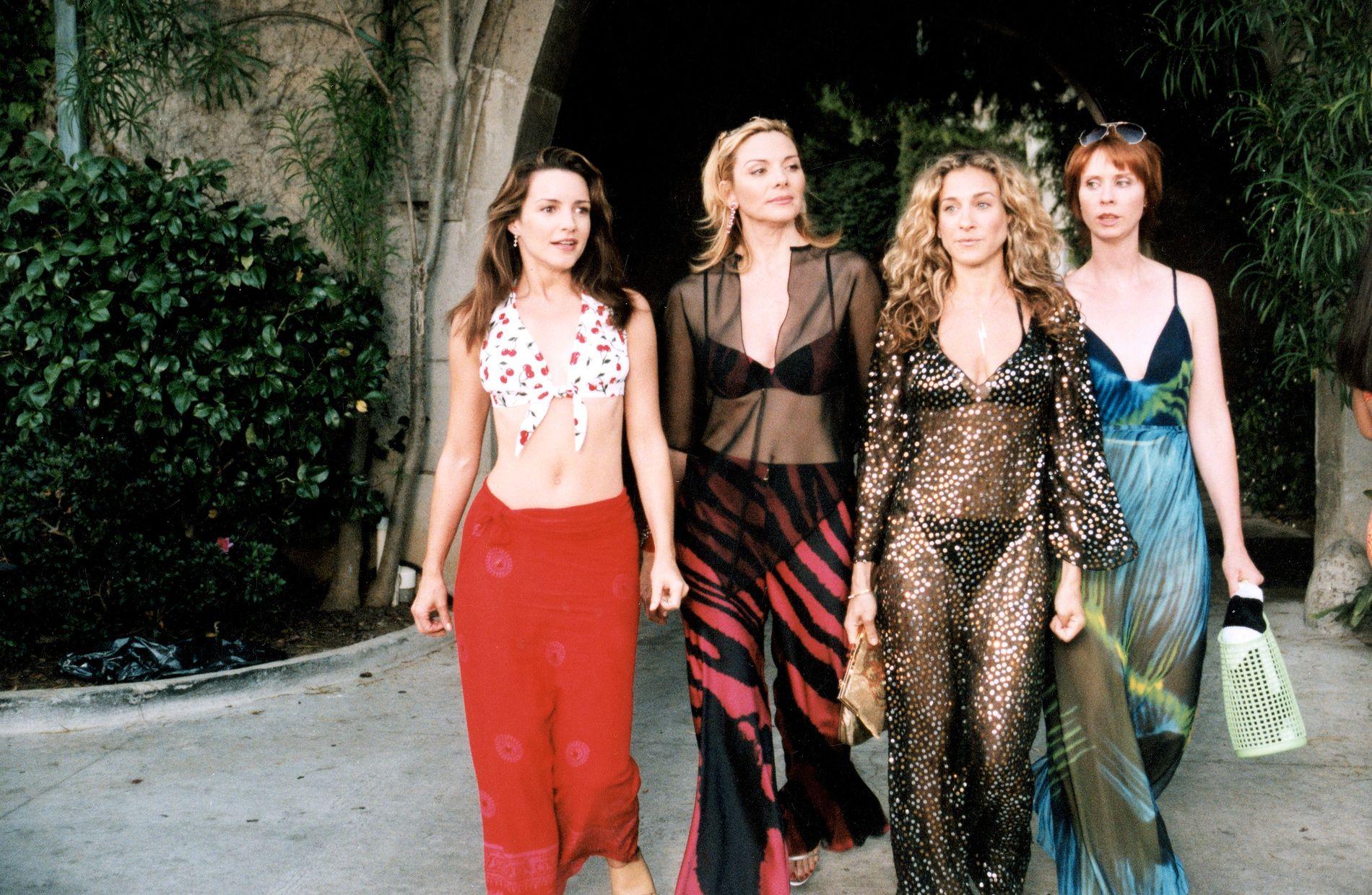 GJENGEN: . Kristin Davis som Charlotte, Kim Cattrall som Samantha, Sarah Jessica Parker som Carrie Bradshaw og Cynthia Nixon som Miranda i «Sex og singelliv».