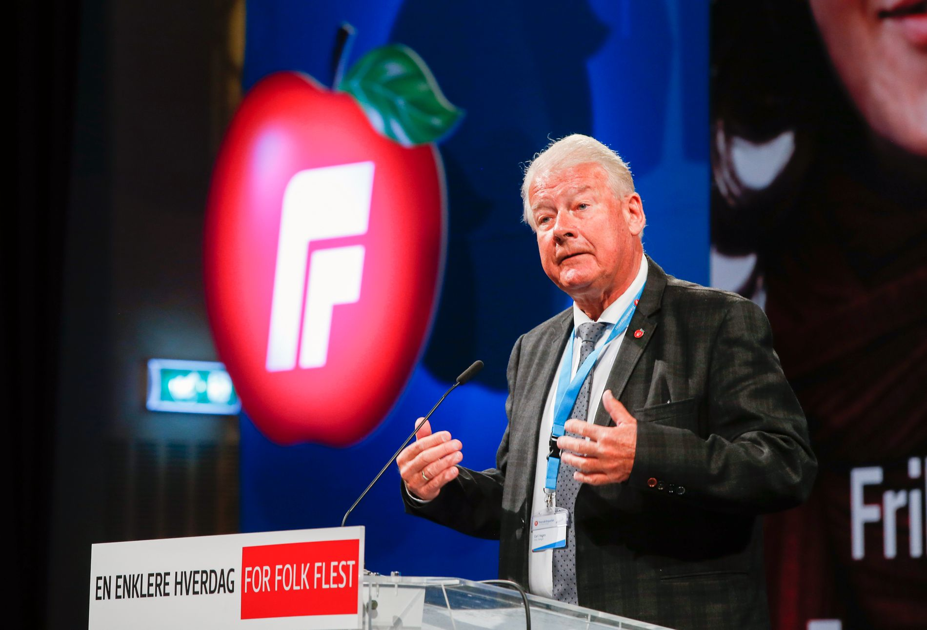 LIGNER PÅ TRUMP: Fremskrittspartiets tidligere formann Carl I. Hagen, her under partiets landsmøte på Gardermoen i april i år.