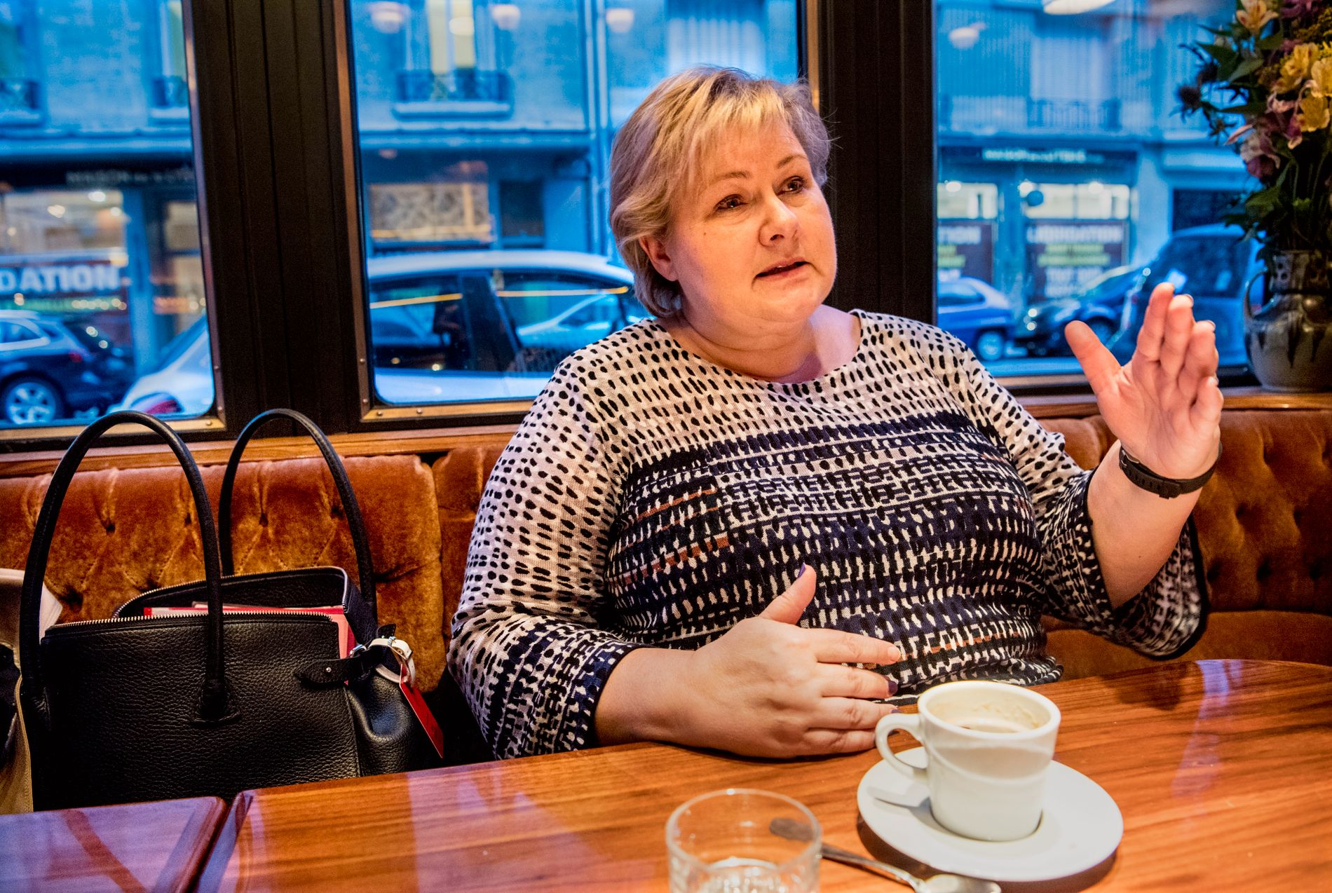 OVERBEVIST: Erna Solberg mener det må reageres tydelig mot Russland etter forgiftningssaken.